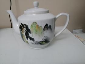 早期山东博山陶瓷厂瓷壶一把