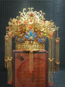 农村收淘大户人家珍藏金器镂空凤冠花丝镶嵌红宝石一顶,此件藏品高贵奢华,精美绝伦。