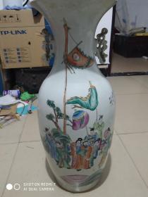 民国江西景德镇名家汪宝光人物粉彩瓷赏瓶一个 口沿缺了一块   余好品   画工相当精美   高58