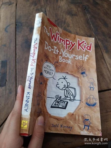 Diary of a Wimpy Kid: Do-It-Yourself Book (International Edition)[小屁孩日记DIY笔记,国际版]
