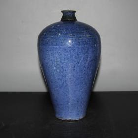 雪花蓝釉梅瓶