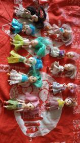 各种形态胶皮塑料娃,