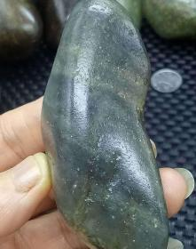 1771  和田玉    青花籽料 原石 104克