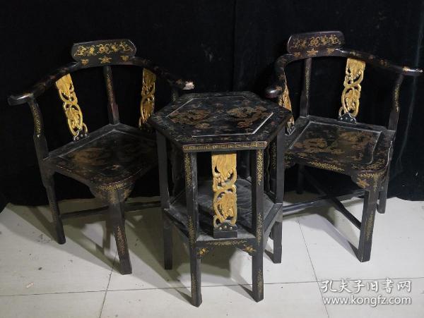 民間舊藏《二龍戲珠》漆器桌椅一套