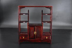 (丙4681)《微型家具》原盒一件 酸枝古典微型家具摆件 双开门  两个抽屉 做工精致 尺寸:31*27*8cm。