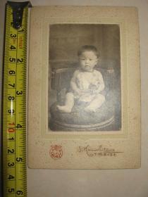 1912年日本老照片《婴儿》硬纸板衬裱 后面标注拍摄日期和人名①