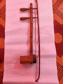 老二胡,品相如圖,62*52,可以正常使用。