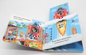 小小宇航员 Bizzy Bear Space Rocket 小熊很忙系列英文原版绘本 忙碌的小熊 抽拉游戏书 宇航员纸板机关操作书 太空火箭