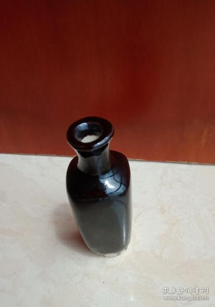 山西宋代地方瓷器-----介休窑系---《黑秞小瓶》-----稀缺品种----虒人荣誉珍藏