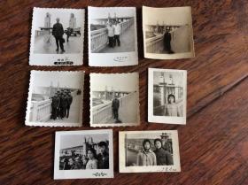 老照片,一组南京长江大桥题材照片,有军人,工人,女青年共8张【有文革时期的】