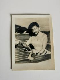 """性感女星张仲文原照五十年代初,""""肉弹,喷火女郎""""。"""