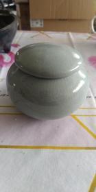 毛丹宇监制青釉茶叶罐一只