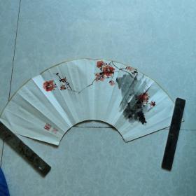 张继馨红梅扇面一幅(保真)
