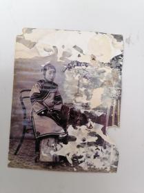 清末美女蛋白照片,三寸金莲。