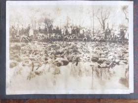 1923年日本关东大地震浅草公园内尸横遍野的惨象老照片