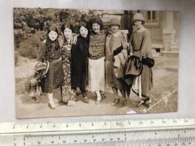 民国早期6个时髦美女合影老照片