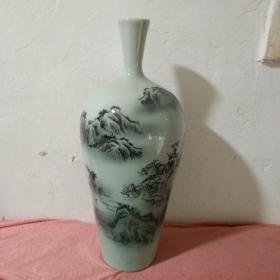 景德镇水墨彩山水画瓷瓶,高36cm.