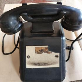 手摇老电话机