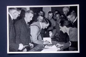 希特勒老照片画片4张 老德国希特勒时期物品