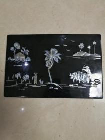 椰岛耕种图漆器镙钿挂屏