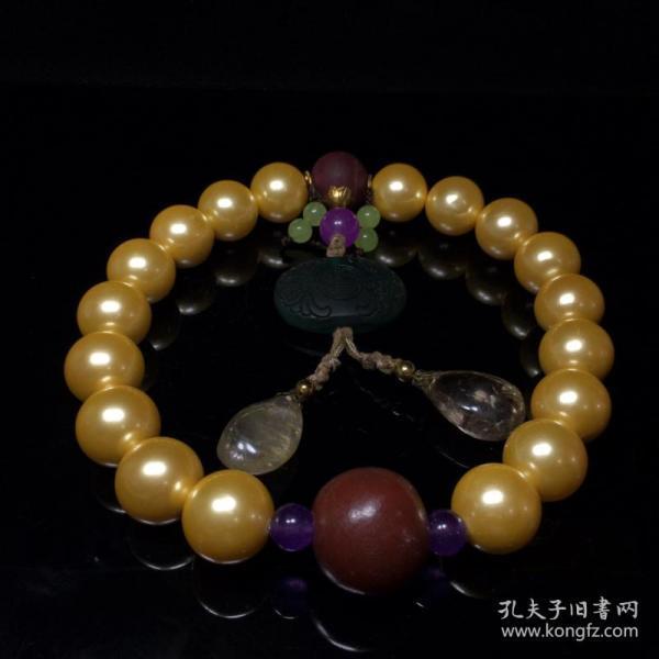"""珍珠十八子珍珠一直被认为是""""六月诞生石"""""""