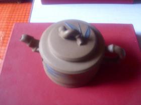 老紫砂本山绿泥竹节壶--------19*11*10.5cm--------吴珍仙制