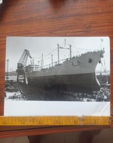 文革老照片,上海市海运局长风号散货船