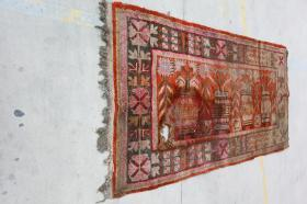 新疆民族手工老地毯【长2.65米宽1.30米】
