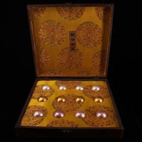 御用贡品罕见极品三色贝珠一盒 配老漆器盒一个  总重4247克 盒子长40厘米 珠子直径5厘米 单球重146克