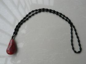 水滴形南红玛瑙坠(带项链)