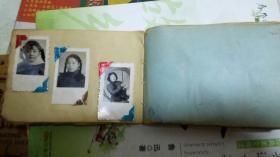50年代 老照片,同学影集一册,12.5cm长乘8.5cm宽,影集共50页,每页嵌50年代初期同学校友大小照片2张,3张不等,照片总数100到150张