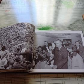 The President's Photographer: Fifty Years Inside the Oval Office 原版精装