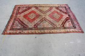新疆民族手工老地毯【长2.40米宽1.40米】
