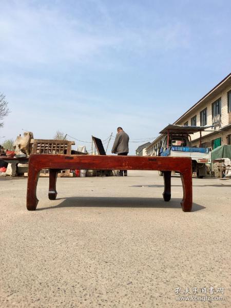榆木四平炕桌,做工精細,皮殼老辣,長86厘米,寬53厘米,高30厘米