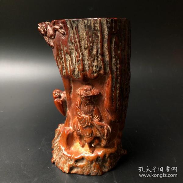 鹿角笔筒长9厘米,宽7.5厘米,高15.5厘米重570克