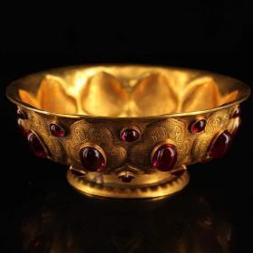 收藏镶嵌宝石鎏金碗