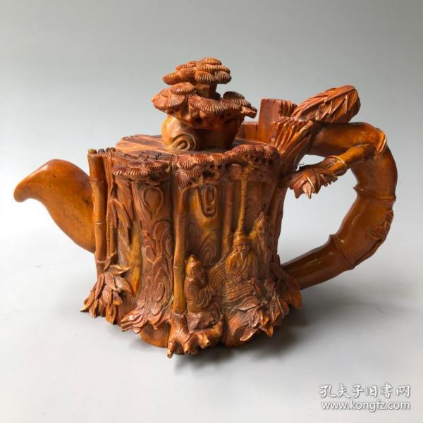 鹿角精雕《竹林七贤》酒壶长27厘米,宽14厘米,高17厘米重1560克