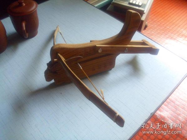 諸葛連弩--------弓寬長44cm
