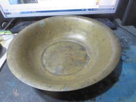 民国铜盆一只,存于楼上博古架0*5