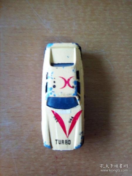 玩具小黃汽車