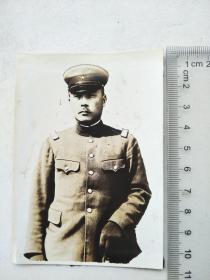 来自侵华日军联队在河北省,山西省,山东省相册,此为其中1张,民国照片,是否是军官