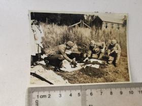 来自侵华日军联队相册,此为其中1张,民国照片,有大日本国防妇人会字样,练习射击