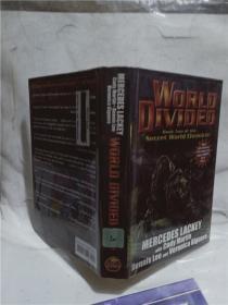 實物拍照;World Divided: Book Two of the Secret World Chronicle