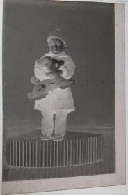 【老底片】(44922)抱玩具的小家伙