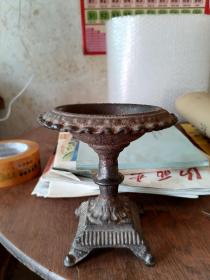 明代铁制烛台。高15cm