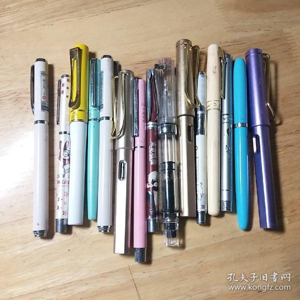 鋼筆福袋,5元5支,隨機噠,物超所值,圖為部分,賣完為止。