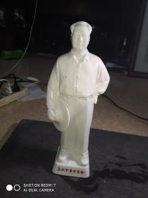 德化革委会赠送  毛泽东白瓷像(猪油白瓷质很好高30cm)