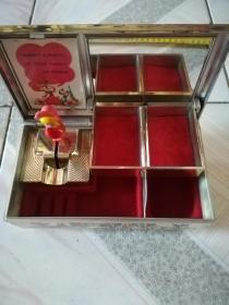 精美音樂盒(盒里可放首飾等小物件)