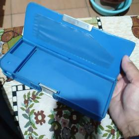 塑制老文具盒