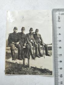 来自侵华日军联队在山东省,河北省,山西省相册,此为其中1张,民国照片,照片背面有山东省淄川炭矿字样